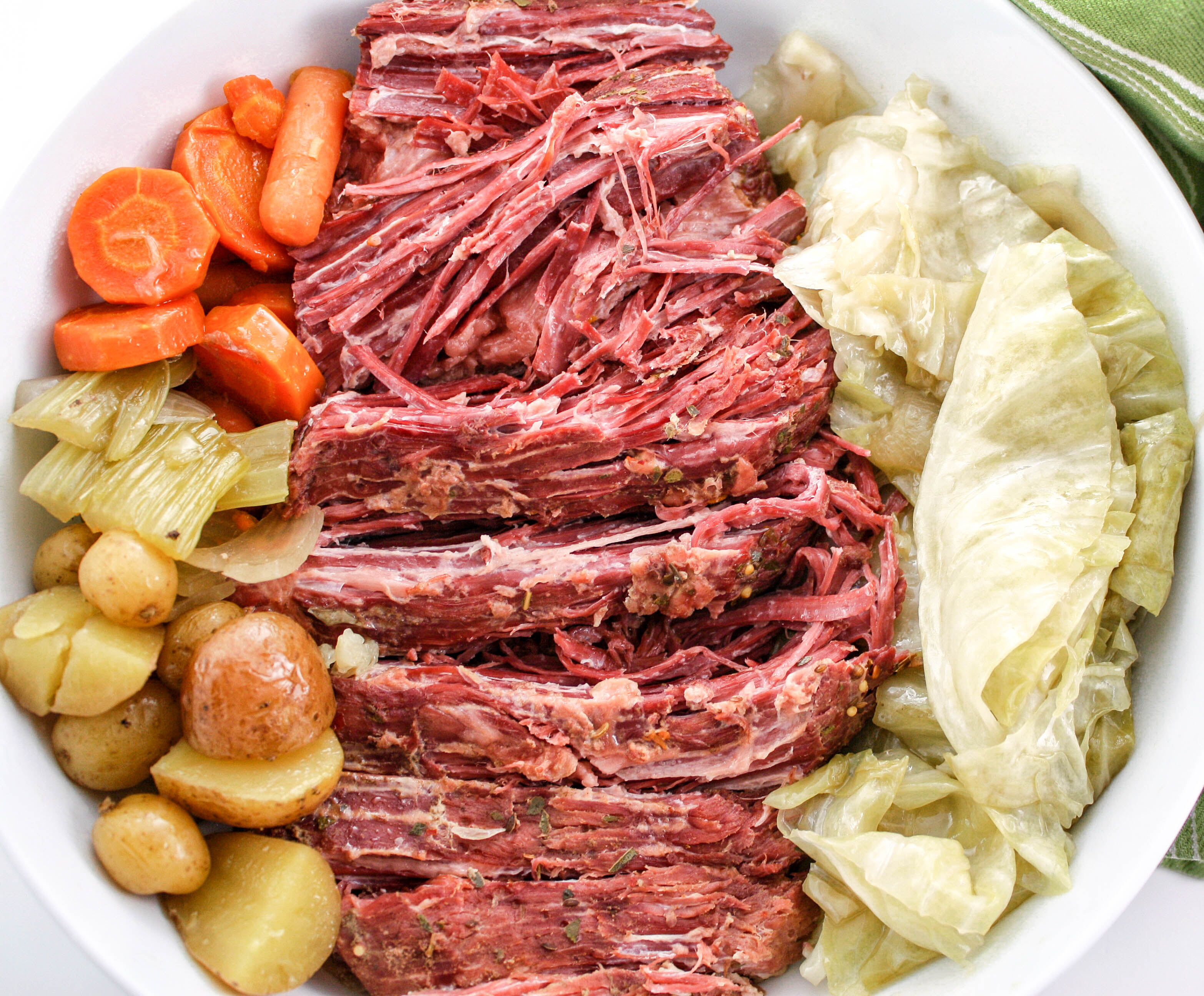 Slow Cooker Corned Beef And Cabbage Life She Lives