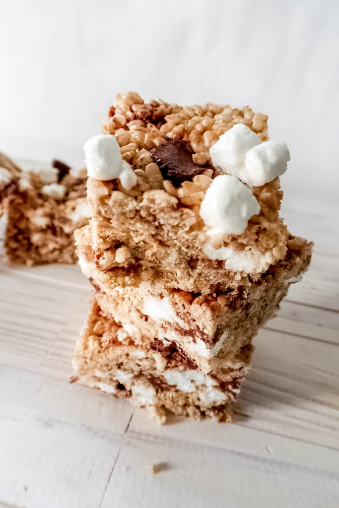 smores rice krispie treats 1 683x1024 - S'mores Rice Krispie Treats