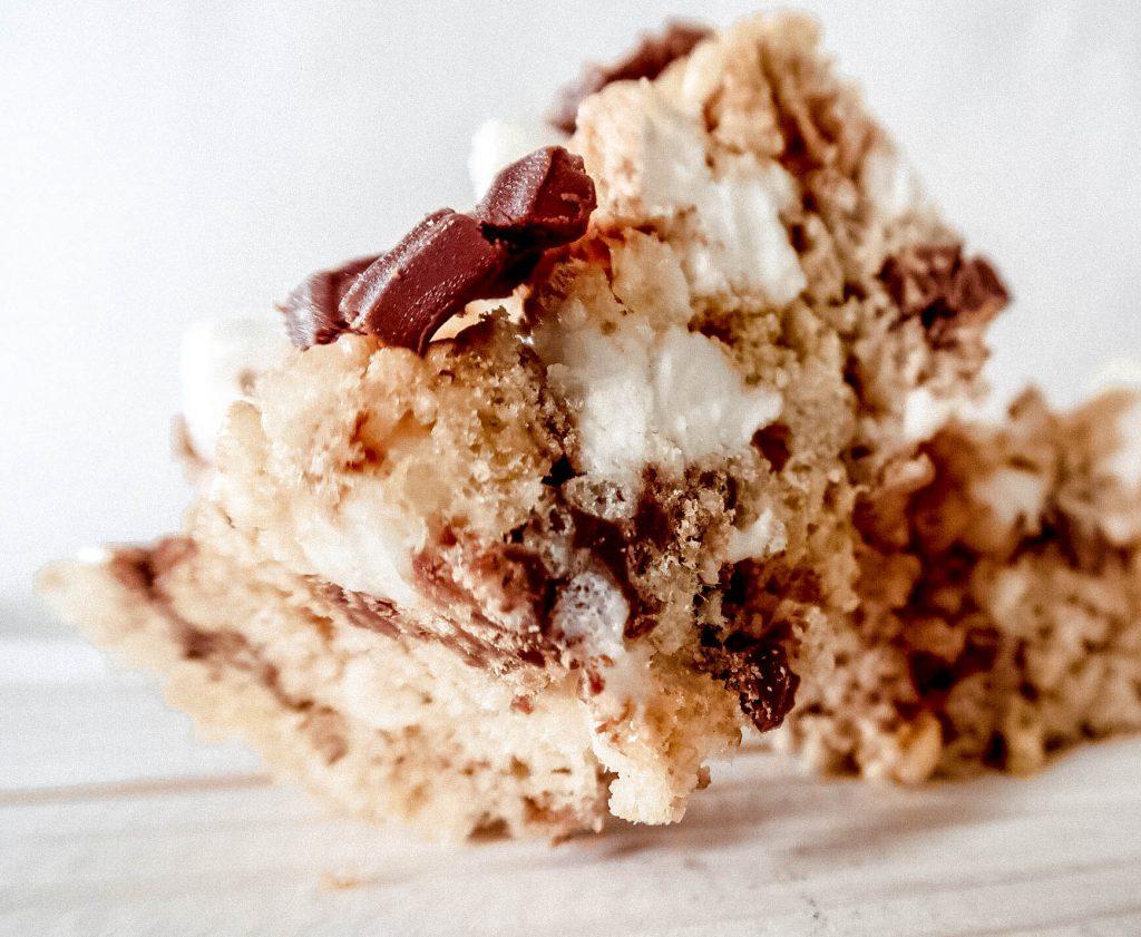 smores rice krispie treats 4 1024x841 - S'mores Rice Krispie Treats