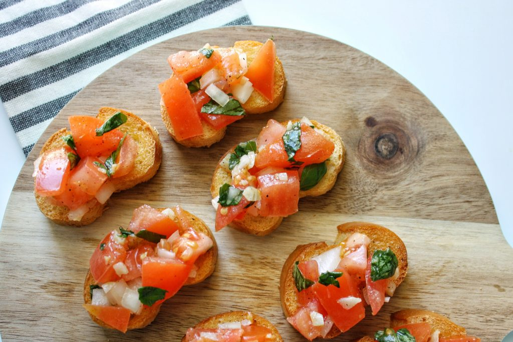 easy party appetizers in 30 minutes or less tomato bruschetta with garlic and basil 1024x683 - 17 Easy Party Appetizers You Can Make in 30 Minutes or Less